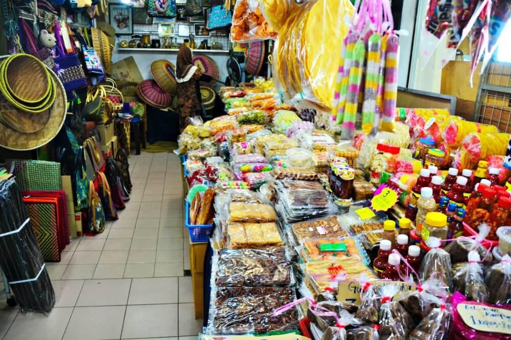 Market in Melaka | Nomaddictives